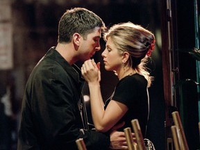 """FRIENDS -- NBC Series -- Season 2: """"The One Where Ross Finds Out"""" -- Pictured: (l-r) David Schwimmer as Ross, Jennifer Aniston as Rachel"""