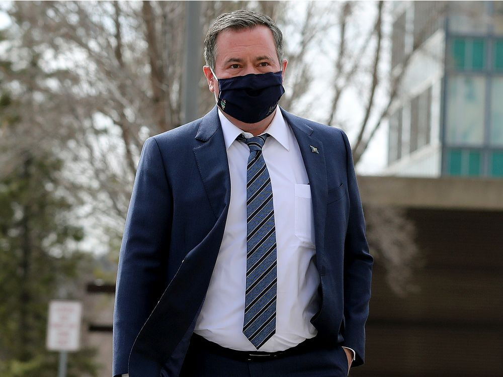 UCP caucus boots two MLAs critical of Alberta government, Kenney's leadership