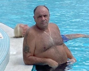 Colombo crime family consigliare Ralph DiMatteo thumbs his nose at cops from Florida.