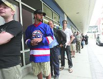 Jets fans line up for new gear