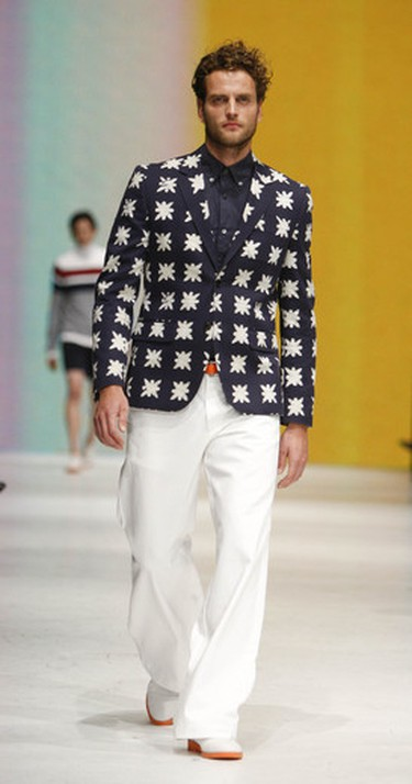 Look: A patterned ink blue and white sport coat that could be thrown over any number of outfits on a cool spring morning (and would look great on both sexes). Seen at: Joe Fresh on Oct. 19, 2011. (Mark O'Neill/QMI AGENCY)