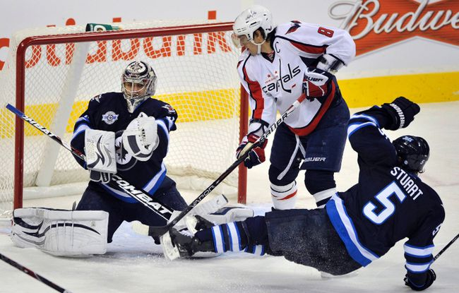 Pavelec not home for a rest
