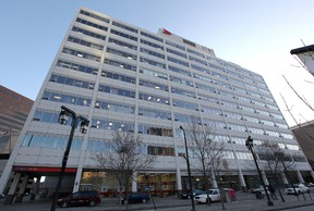 The office tower connected to the police headquarters on Graham Avenue. (Jason Halstead/Winnipeg Sun files)