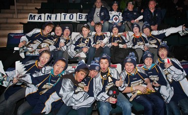 The Peewee B Springfield Icehawks recently took in a Winnipeg Jets game against the Pittsburgh Penguins through the Manitoba Lotteries Flight Deck program. (Handout)