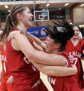 Winnipeg basketball player Emily Potter (left) has been invited to the Canadian Cadette Women's National Team tryout camp. (Brian Donogh/WINNIPEG SUN FILES)