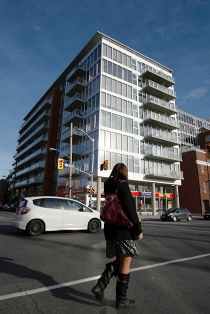 Welcome condo lovers to Lansdowne