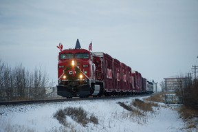 Airdrie, Alta. � The CP Holiday Train rolls into Nose Creek Park in Airdrie, Alberta on Wednesday, December, 12 2012.   JAMES EMERY/AIRDRIE ECHO/QMI AGENCY
