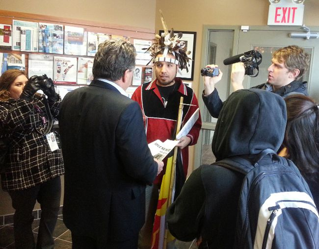 HUGO RODRIGUES, The Expositor