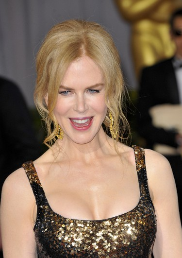 """Nicole Kidman  (Apega/WENN.com)What do you think of her beauty look?   PDRTJS_settings_6635430 = { """"id"""" : """"6635430"""", """"unique_id"""" : """"default"""", """"title"""" : """""""", """"permalink"""" : """""""" };"""