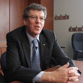 Dr. Ian Frazer, who helped develop the vaccine against the human papillomavirus (HPV), was a lecturer at Queen's University on Monday. (Michael Lea The Whig-Standard)