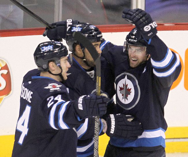 Jets ward off Devils
