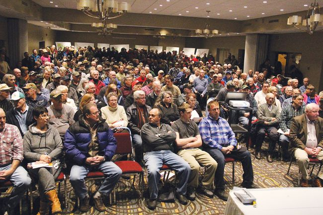 STEPHEN UHLER stephen.uhler@sunmedia.ca More than 400 people packed this room at the Best Western Inn and Conference Hall to attend a public meeting about the possible impact of the Algonquin Land Claim. Hosted by the Ontario Federation of Anglers and Hunters (OFAH), the Canadian Sportfishing Industry Association (CSIA) and the Federation of Ontario Cottagers' Associations (FOCA), the meeting was to encourage people to get more informed about it and to voice their opinions about it. For more community photos, please visit our website photo gallery at www.thedailyobserver.ca.