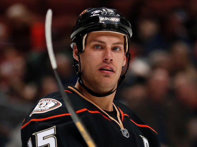 Ryan Getzlaf shakes off sub-par 2011-12 season to become top Duck