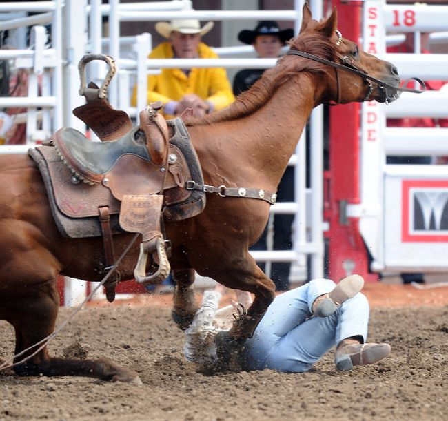 Tanner Byrne Changes Tactics Wins Bullriding Wildcard Saturday At