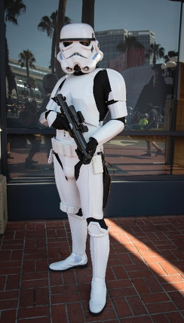 """Cosplayer Michael Qoyawayma poses in his """"Storm Trooper TK9729"""" costume, inspired by the Stormtroopers from the """"Star Wars"""" movies, during the 2013 San Diego Comic-Con (SDCC) International in San Diego, California July 18, 2013. REUTERS/Fred Greaves (UNITED STATES - Tags: ENTERTAINMENT SOCIETY)"""