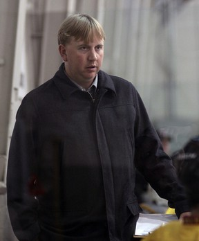 Brantford's Jim Baxter has assumed bench boss duties for the Tillsonburg Thunder for the 2013/2014 season. Baxter, who played three years with Oshawa in the OHL, was drafted by both the Boston Bruins and Carolina Hurricanes, prior to a five-year professional career in the East Coast Hockey League (and AHL), followed by two years in Germany. Jeff Tribe/Tillsonburg News