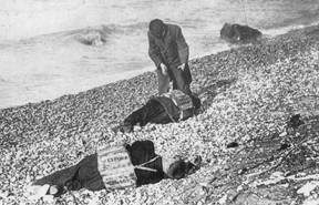 Bodies wearing life vests from the Wexford washed ashore near Goderich in November, 1913. WIKIPEDIA PHOTO
