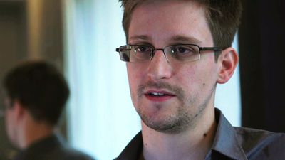 <b>Costume:</b>    Edward Snowden  <br><b>How-to:</b> Borrow a faded golf shirt, glasses and dirty old jeans from your hacker buddy.   <br><b>Finishing touch:</b>  A hot girlfriend, if you can manage it.  <br>(REUTERS/Glenn Greenwald/Laura Poitras/Courtesy of The Guardian/Handout via Reuters)