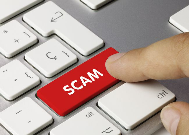 Customer clicks on an online scam button. (Fotolia.com)
