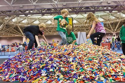 Kids playing at Lego Kidsfest