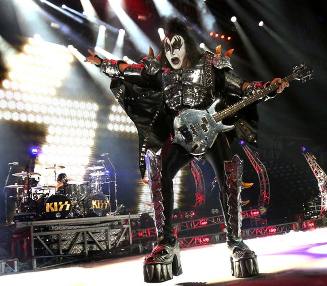 KISS bassist Gene Simmons performs in Calgary, Alta. on Friday November 8, 2013 at the Scotiabank Saddledome. (Jim Wells/QMI Agency)