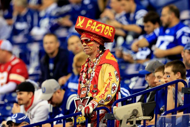 A Kansas City Chiefs fan looks on before his team's wild card game against the Indianapolis Colts at Lucas Oil Stadium in Indianapolis, Jan. 4, 2014. (ROB CARR/Getty Images/AFP)