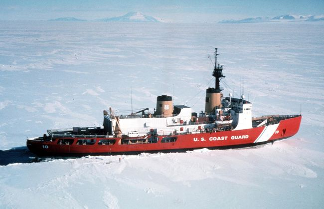 Polar Star, the U.S. Coast Guard icebreaker, is seen in a handout photo taken in Antarctica April 4, 1999. (REUTERS/U.S. Coast Guard/Handout via Reuters)