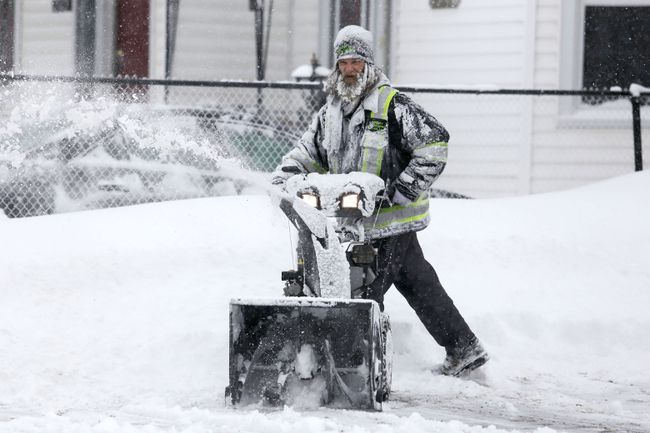 Scenes from the snowfall on Jan. 25, 2014. 