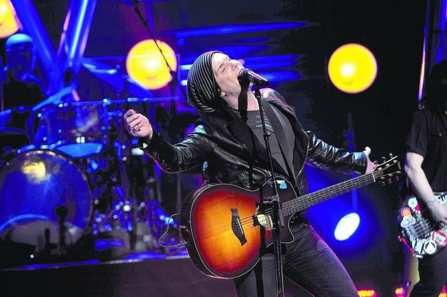 John Rzeznik and the Goo Goo Dolls swing by London Thursday. The lineup also includes bassist Robby Tatac and drummer Mike Malinin. (Getty Images)