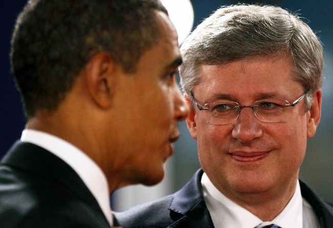 Hey, Barry, Stevie wants his cases of beer. Pronto! (KEVIN LAMARQUE/Reuters)