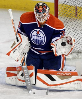 Viktor Fasth says he's eager to get the start in net for the Oilers after a season that's been marked by time lost due to injury. (David Bloom, Edmonton Sun)