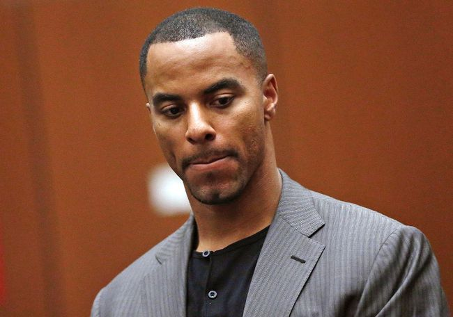 Former NFL player Darren Sharper, seen here at his arraignment in Los Angeles on Feb. 20, is now being charged with sexual assault in Arizona. (Mario Anzuoni/Reuters/Files)
