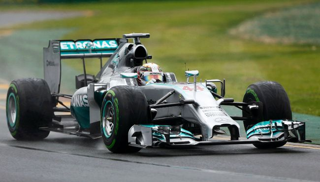 Mercedes' Lewis Hamilton drives during the qualifying session for the Australian Grand Prix at the Albert Park circuit in Melbourne March 15, 2014. (REUTERS/Brandon Malone)