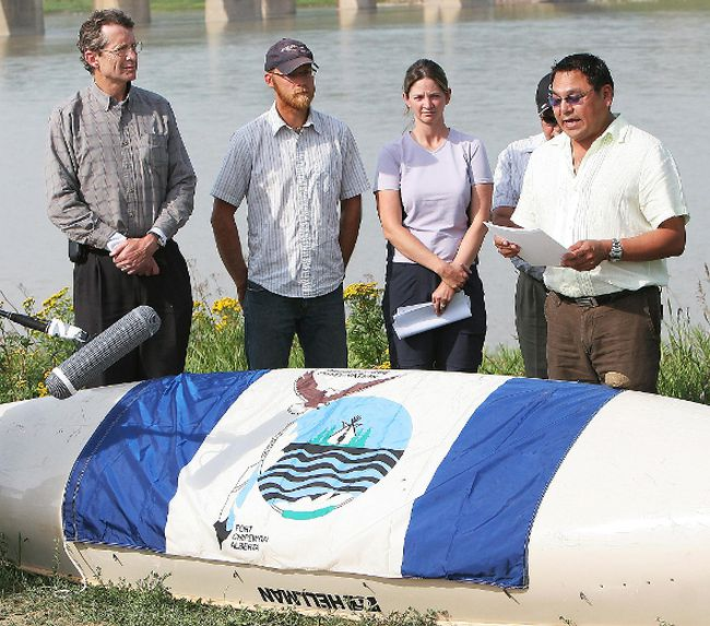 "George Poitras, right, a Mikisew Cree First Nations councillor and former chief, speaks during a press event at Pembina Institute's Athabasca River Expedition at Fort McMurray, Alberta in this August 3, 2007 file photo. Poitras said the oilsands development have had a ""disturbing impact"" on the environment and the community of Fort Chipewyan. (Carl Patzel/QMI Agency files)"