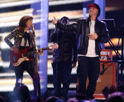 Serena Ryder (L) and Classified perform at the 2014 Juno Awards in Winnipeg March 30, 2014. REUTERS/Trevor Hagan