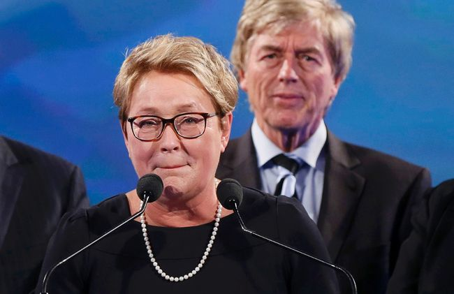 Parti Quebecois leader Pauline Marois delivers her concession speech at her provincial election night headquarters in Montreal April 7, 2014. (REUTERS/Christinne Muschi)