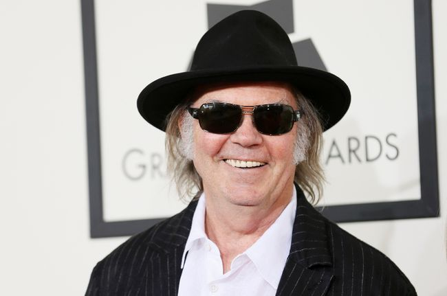 Neil Young arrives at the 56th annual Grammy Awards in Los Angeles, California January 26, 2014. (REUTERS/Danny Moloshok)