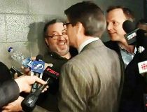 Down 3-0 to Habs, Tampa coach Cooper bizarrely invades media scrum