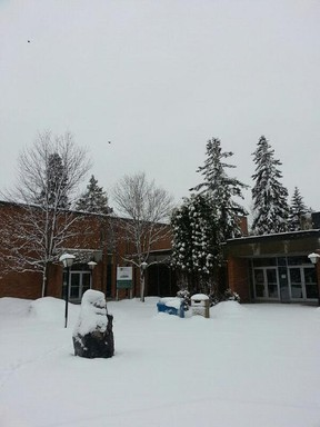 Snow covers the ground at the Thunder Bay Lakehead University campus outside of the Alumni and Community Relations office. (Photo from @LakeheadAlumni)
