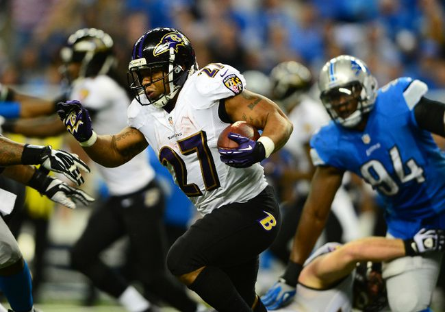 Baltimore Ravens running back Ray Rice (27) runs the ball during the third quarter against the Detroit Lions at Ford Field on Dec 16, 2013 in Detroit, MI, USA. (Andrew Weber/USA TODAY Sports)