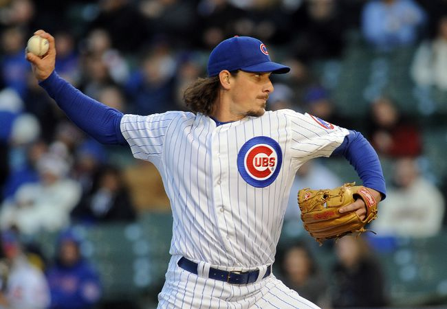 Chicago Cubs starting pitcher Jeff Samardzija (29) pitches against the Chicago White Sox at Wrigley Field on May 5, 2014. (MATT MARTON/USA TODAY Sports)