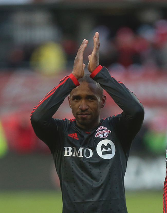 TFC striker Jermain Defoe applauds the fans after 1-0 win against DC United in Toronto March 22, 2014, at BMO Field. (Jack Boland/Toronto Sun)