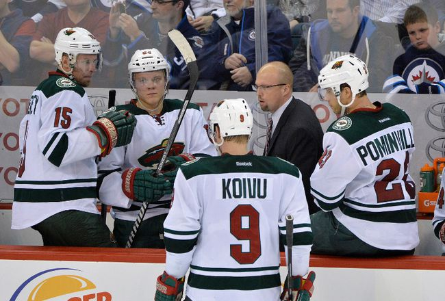 Minnesota Wild head coach Mike Yeo directs some of his players. (Fred Greenslade/USA TODAY Sports)