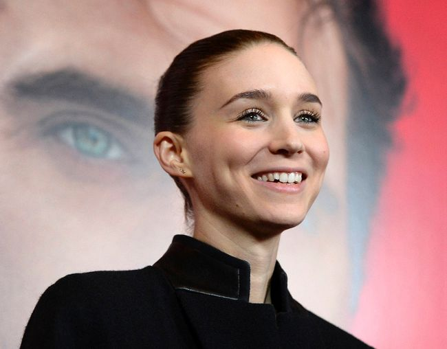"Cast member Rooney Mara attends the film premiere of ""Her"" at Directors Guild of America in Hollywood December 12, 2013. REUTERS/Kevork Djansezian"