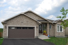 The Messina is a 1,534-square-foot bungalow that Corvinelli Homes can build for you in Russell Trails. It has a starting price of $363,665.