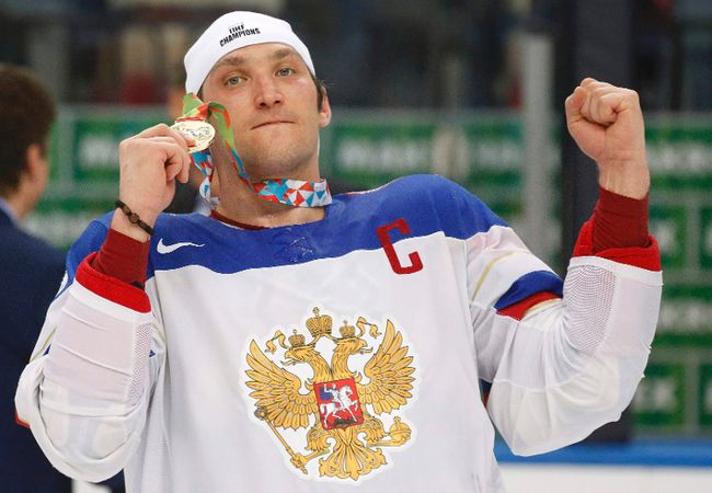 Russia's Alexander Ovechkin celebrates after beating Finland in the gold-medal game at the world championship at Minsk Arena May 25, 2014. (REUTERS/Vasily Fedosenko)