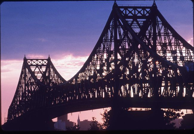 The Jacques-Cartier Bridge at sunset from lle Sainte-Helene, Montreal. (File photo)
