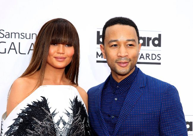 John Legend and model Chrissy Teigen arrive at the 2014 Billboard Music Awards in Las Vegas, Nevada May 18, 2014.    REUTERS/L.E. Baskow