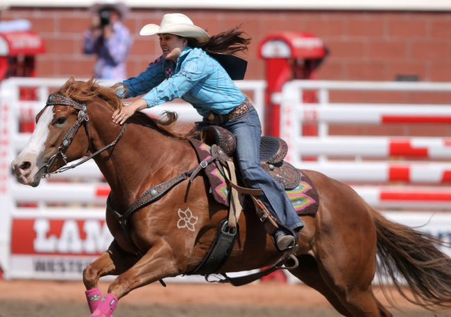 Barrel Racer Amp Horse Make Amends En Route To Day 2 Title