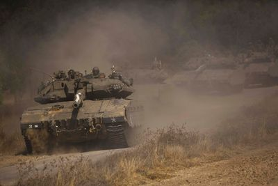 An Israeli convoy manoeuvres outside central Gaza Strip July 19, 2014. REUTERS/Amir Cohen